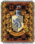 The Northwest Company Warner Bros Harry Potter Hufflepuff's Crest Tapestry Throw, 120cm by 150cm