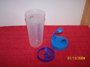 Tupperware Quick Shake 2 1/2cup Measuring & Shaking Container With Shy-Blue Flip-Top
