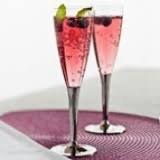 Sabert 100 Disposable Plastic Champagne Flutes with Silver Stem