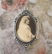 Bridal Wedding Bouquet Photo Charm Oval W/clear Cover