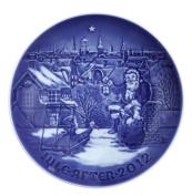 BING & GRONDAHL 2012 Porcelin Christmas Plate - Visit from Santa Claus