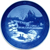 Royal Copenhagen Annual Hand Decorated Christmas Plate 1999