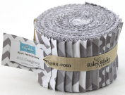 Riley Blake BASICS VARIETY grey Rolie Polie 24 6.4cm Jelly Roll Strips Quilt Fabric RP-40-24