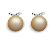 9 mm South Sea Cultured Pearl and 0.09 carat total weight diamond accent Earring in 14KT White Gold