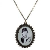 Yazilind Vintage Beatiful Woman Pattern White Oval Rhinestone Chain Long Necklace 80cm