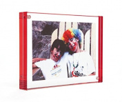 RED colour EDGE MAGNET FRAME by CANETTI � 8.9cm x 13cm