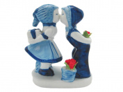 Ceramic Delft Blue Kiss with Tulips