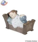 Nao Porcelain by Lladro SNUGGLE DREAMS ( BABY BOY ASLEEP ) 2001504