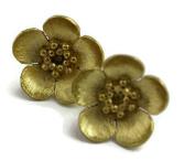 Sophia Rose Sterling Silver 925 18kt Gold Vermeil Buttercup Stud Earrings