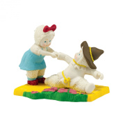 Snowbabies Department 56 Snowbabies Guest Collection Give Me Your Hand Figurine, 7.5cm