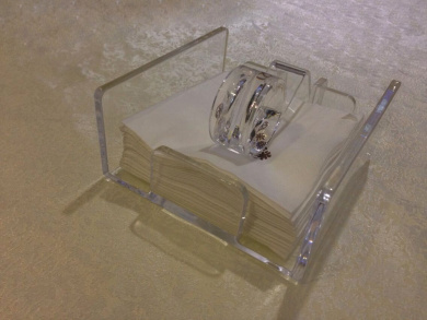 Middle Size Crystal Clear Acrylic Napkin Holder for Removable Sheet Paper(17*15.7*6.4cm)