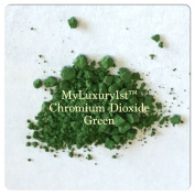Chromium Oxide Green 1g Sample in Baggy with Pigment Powder Spoon