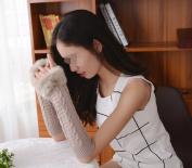 Eforstore Women Ladies Girls Faux Fur Furry Winter Soft Wool Warm Knitted Crochet Half Finger Gloves Cold Weather Hand Wrist Warmer Mitten