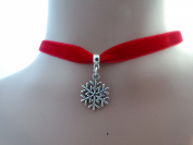10mm Velvet Choker in Red With a 20mm Snowflake Charm
