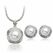 Fashion Jewellery - 18K White Gold Plated Imitation Pearl Set