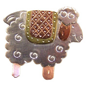Country Quilt Sheep Needle Nanny Magnetic Needle Minder Holder, Brooch