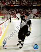 Photofile PFSAAJX00201 Sidney Crosby 1st Star of the Game Game 3 of the 2008 NHL Stanley Cup Finals 9 Sports Photo - 8 x 10