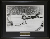 Midway Memorabilia Bobby Orr The Goal Black & White 16X20 Frame