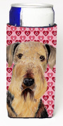Carolines Treasures SC9266MUK Airedale Hearts Love and Valentines Day Portrait Michelob Ultra bottle sleeves for slim cans 350ml