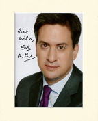 ED MILIBAND LABOUR PARTY LEADER SIGNED AUTOGRAPH PHOTO PRINT IN MOUNT SECRET SANTA