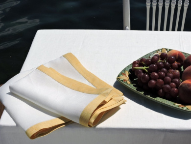 Linens Of The World Summers at the Lake White/Summer Sun Linen Napkin 46cm Square
