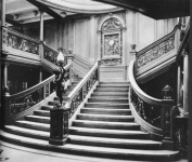 TITANIC STAIRCASE GLOSSY PHOTO PRINT