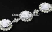 1yard 22mm Crystal Rhinestone White Shell Flower Motif Venise Lace Chain Costume Applique Embellishment Ribbon Sew on for Wedding Dress T581