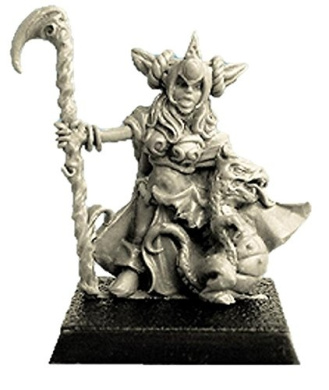 28mm Fantasy Miniatures: Female Halfling and Little Dragon