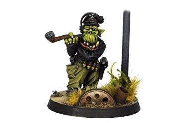 Kromlech Miniatures: Orc Tank Commander (1)