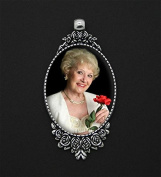 Rose Bouquet Bridal Wedding Brides Photo Charm Vintage with Bonus Photo Resizing Software