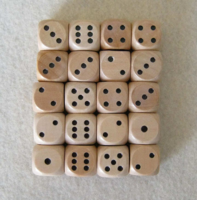 20 wooden dice (16mm, pips)