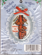 """The New Berlin Co Kitchen Katcher """"HANG IN THERE"""" Hoop Counted Cross Stitch Kit No.2844"""