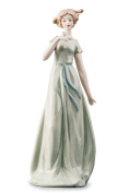Lady in White With Bird Pretty Woman Beauty Porcelain Figurine Statuette Figure Collectibles