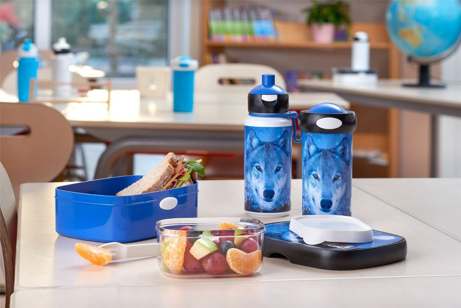 196f77651e8f Rosti Mepal Childs Lunch Box and Pop Up Drink Bottle, Wolf Animal Planet