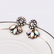 Lvxuan Women sparkle exquisite all-match vintage small rhinestone flower stud earrings