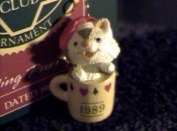 1989 Hallmark Keepsake Ornament Collector's Club Sitting Purrty