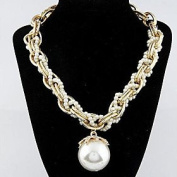 FLOW ZIG Cusa Pearl Petal Clavicle Chain Necklace