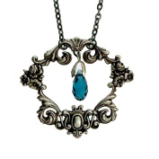 Tyler Cody 46cm Vintage Style Silver Plated Floral Frame Pendant Necklace w/ Blue Crystal