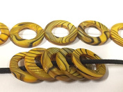10 beads - Yellow colour striped shell donut ring shape bead frames - BD943