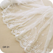45cm Width Ivory White Antique Retro Floral Embroidered Mesh Lace Dress Edge Lace Trim Fabric Ribbon Wedding Bridal Veils Craft Tulle Lace Trim