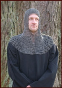 Riveted Chainmail Hood, Square Aperture - ID 8 mm Round Rings from Ulf Berth - Battle Ready