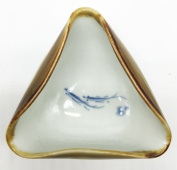 Easyou Brush Washer Porcelain Triangle Water Bowl for Mixing Colour or Washing Brush Holding Water Patterned with Fish