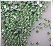 RayLineDo® Pack of 1000 x 5mm Flat Back Rhinestones Diamante Acrylic Gems Scatter Diamonds Wedding Party Table Confetti Crystals Decoration Light Green- High Quality