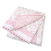 Just Born 100% Cotton Nursery Quilt in Hampton, Pink