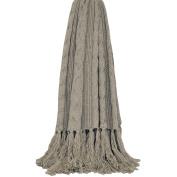 Riva Home Santana Knitted Tassle Throw (130cm x 150cm )