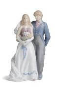Wedding Couple Figurine Newlyweds Porcelain Statue Bride and Groom Figures 23cm