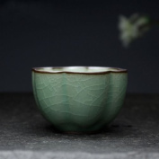 Traditional chinese tea cup with lovely, calyx-shaped design - handmade celadon porcelain with crackle-glazing - suitable for gong fu cha