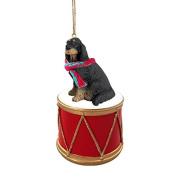 Gordon Setter Drum Christmas Ornament w. Gold String & Scarf
