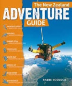 The New Zealand ADVENTURE GUIDE [Paperback]