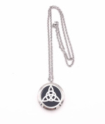 Irish Celtic Knot Aromatherapy Essential Oil Diffuser Necklace & Locket Pendant Hypo-Allergenic Premium Stainless Steel 60cm Chain & 5 Colour Reusable Felt Pads in Gift Box